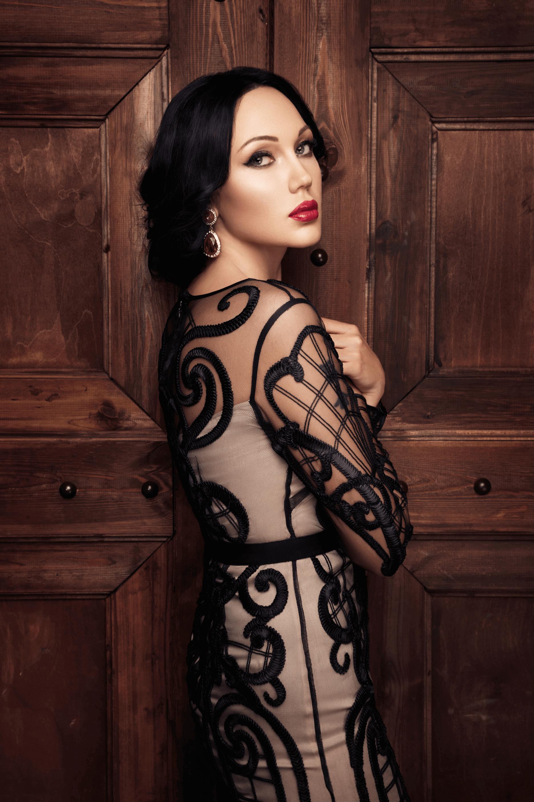 Mira и Professional make-up artist Анастасия Пашанина