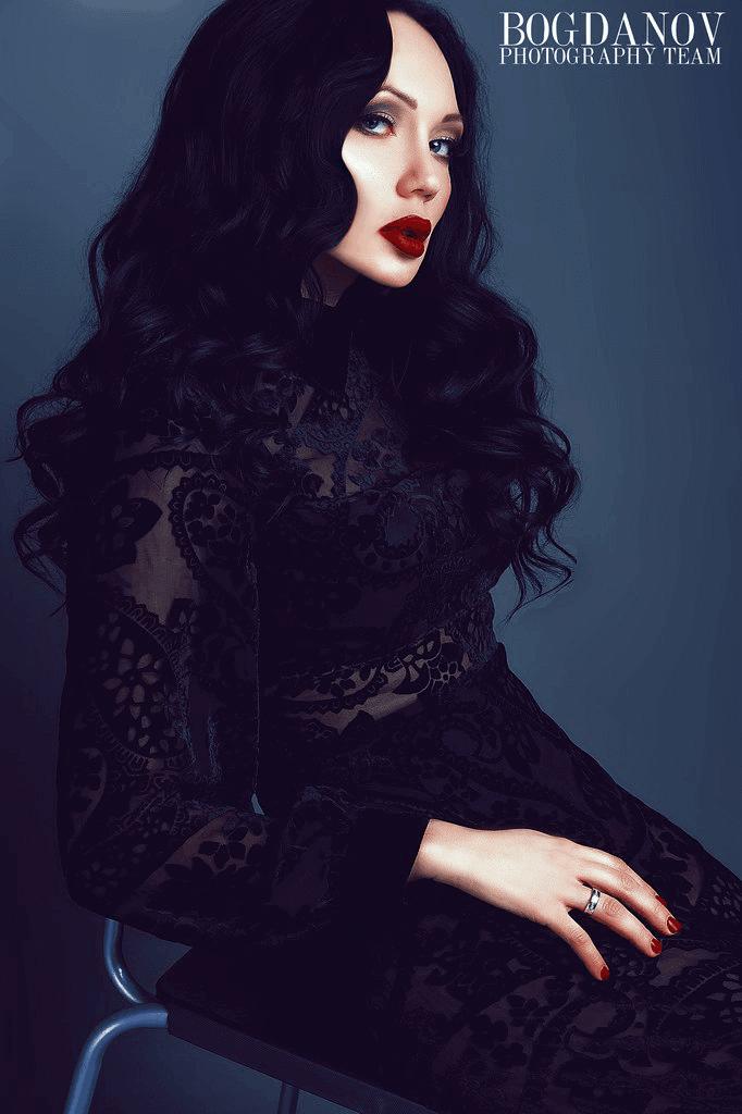 Мира и Fashion designer: Julia Lapshina